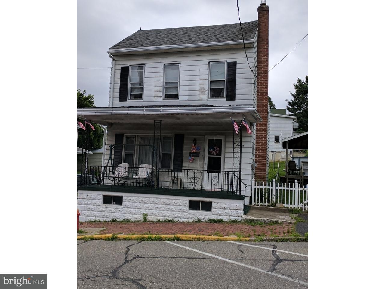 Casa Unifamiliar por un Venta en 211 1ST Street Port Carbon, Pennsylvania 17965 Estados Unidos