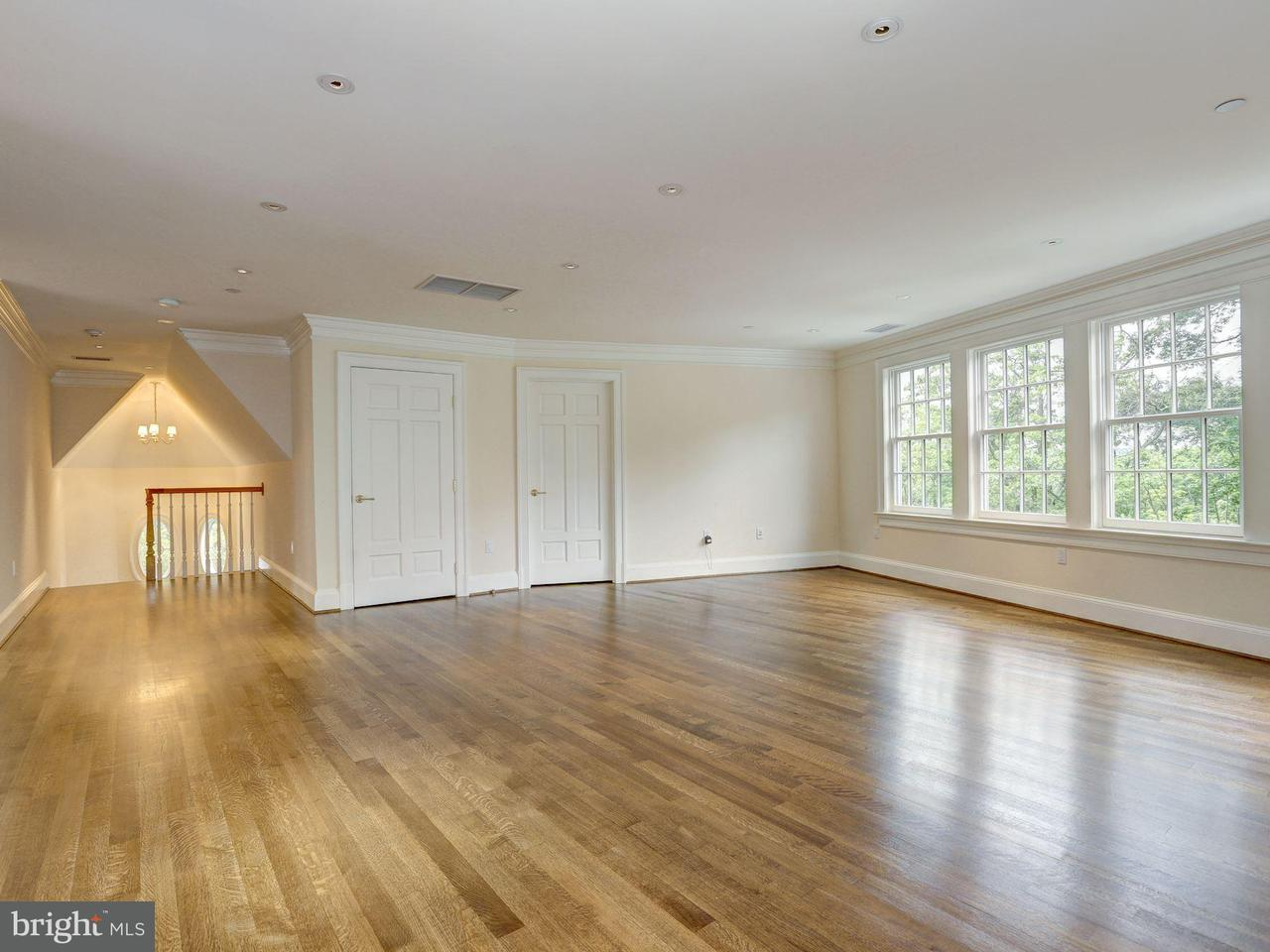 Additional photo for property listing at 2806 UNIVERSITY TER NW 2806 UNIVERSITY TER NW Washington, 哥倫比亞特區 20016 美國