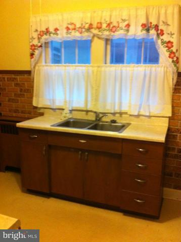 Additional photo for property listing at 800 Bedford St  Cumberland, Maryland 21502 United States