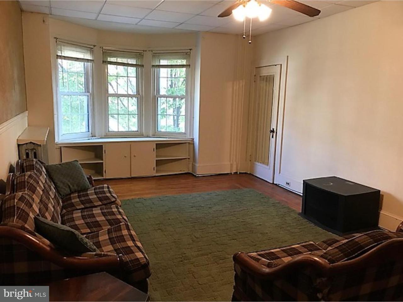 Casa Unifamiliar por un Alquiler en 103 E MAIN ST #UNIT 2 Schuylkill Haven, Pennsylvania 17972 Estados Unidos