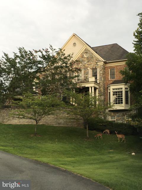 Single Family Home for Sale at 8605 BURNING TREE Road 8605 BURNING TREE Road Bethesda, Maryland 20817 United States