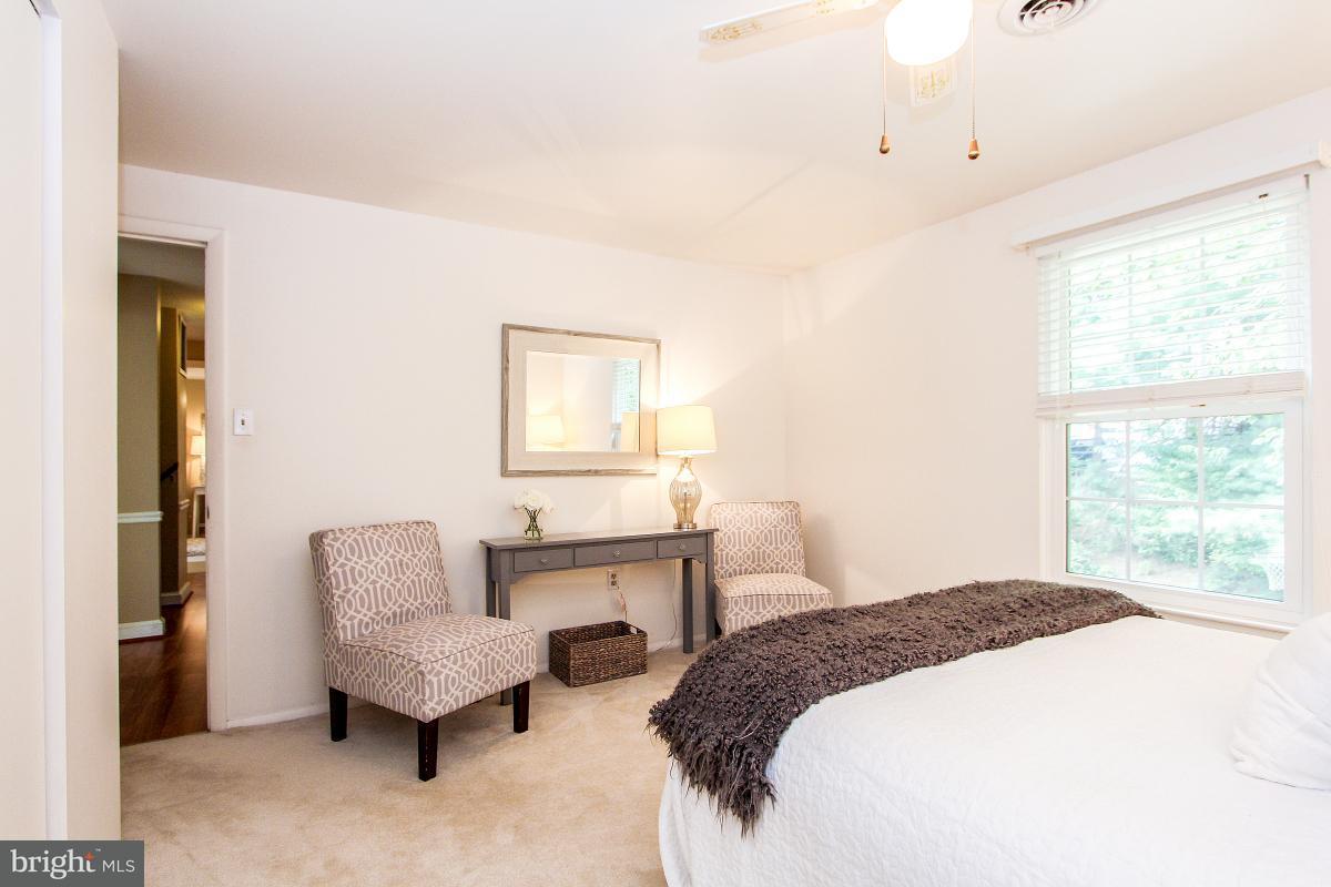 Additional photo for property listing at 15700 ANAMOSA Drive 15700 ANAMOSA Drive Derwood, Μεριλαντ 20855 Ηνωμενεσ Πολιτειεσ