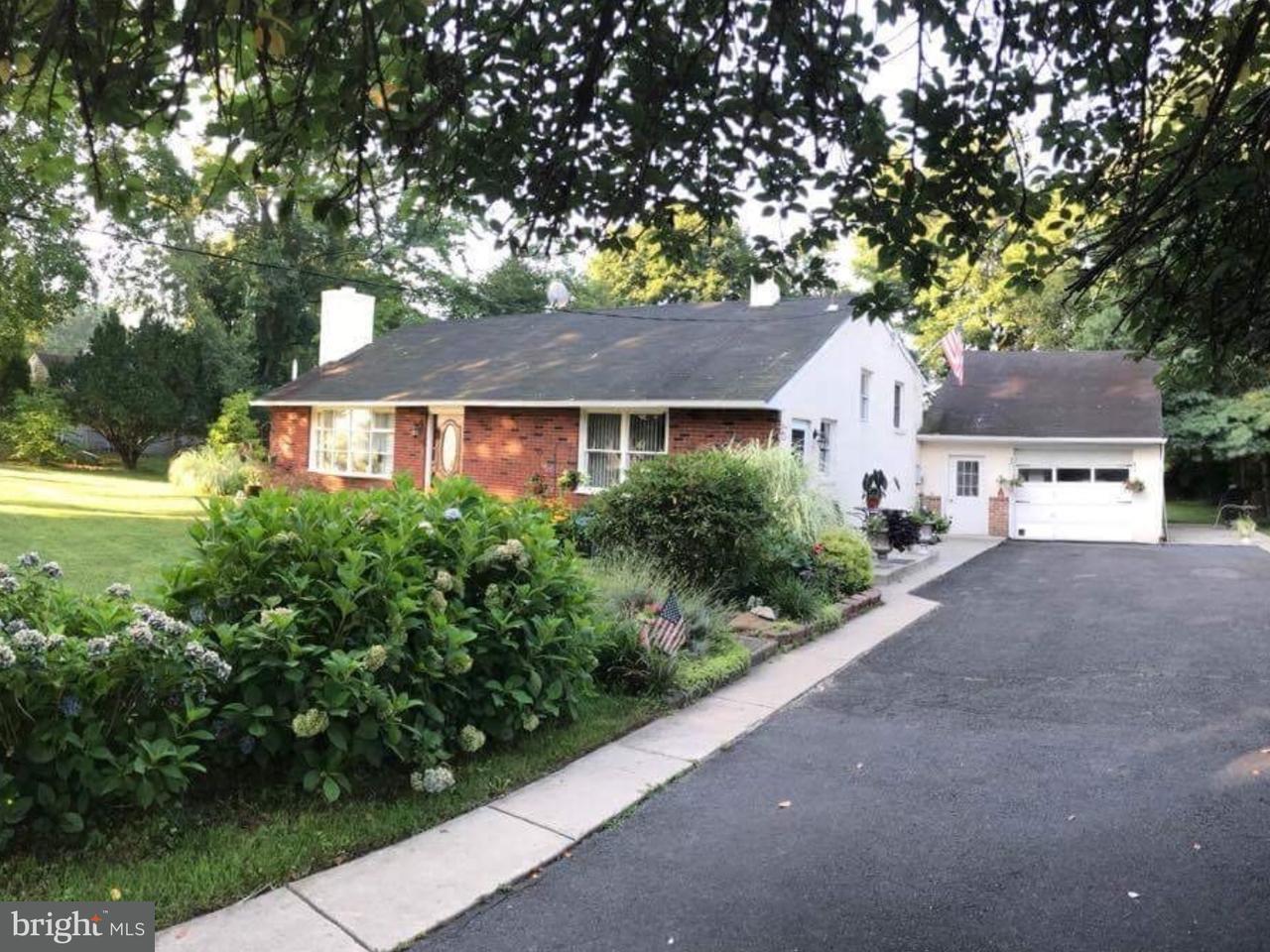 Casa Unifamiliar por un Venta en 878 ALMSHOUSE Road Warminster, Pennsylvania 18974 Estados Unidos