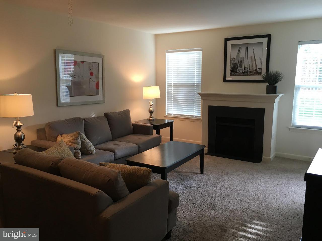 Частный односемейный дом для того Аренда на 3700 HERMITAGE DR #2213 Voorhees, Нью-Джерси 08043 Соединенные Штаты