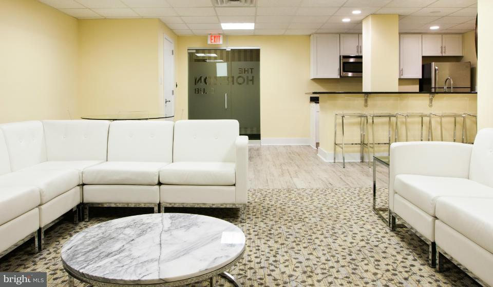Additional photo for property listing at 4320 Old Dominion Dr #002/1  Arlington, Virginia 22207 United States