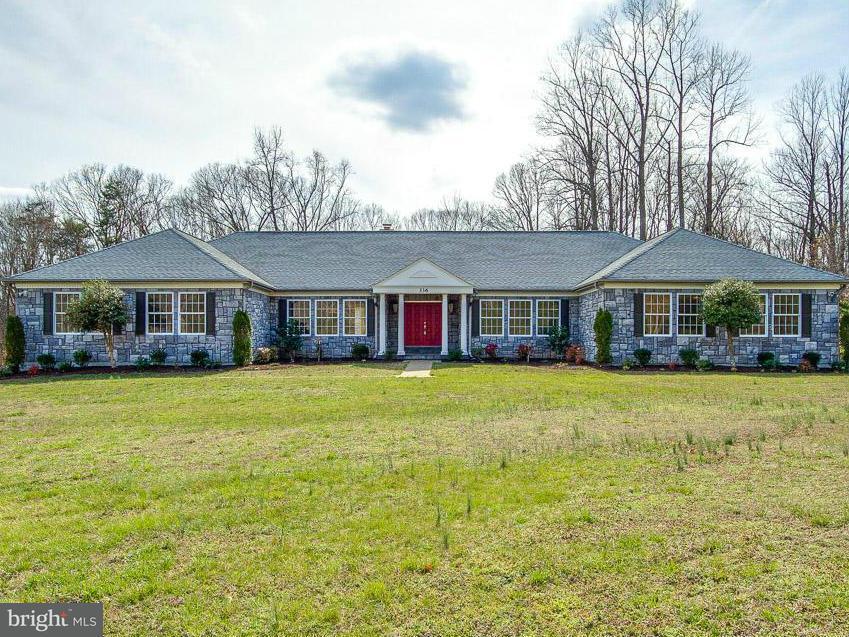 Casa Unifamiliar por un Venta en 336 WINDERMERE Drive 336 WINDERMERE Drive Stafford, Virginia 22554 Estados Unidos
