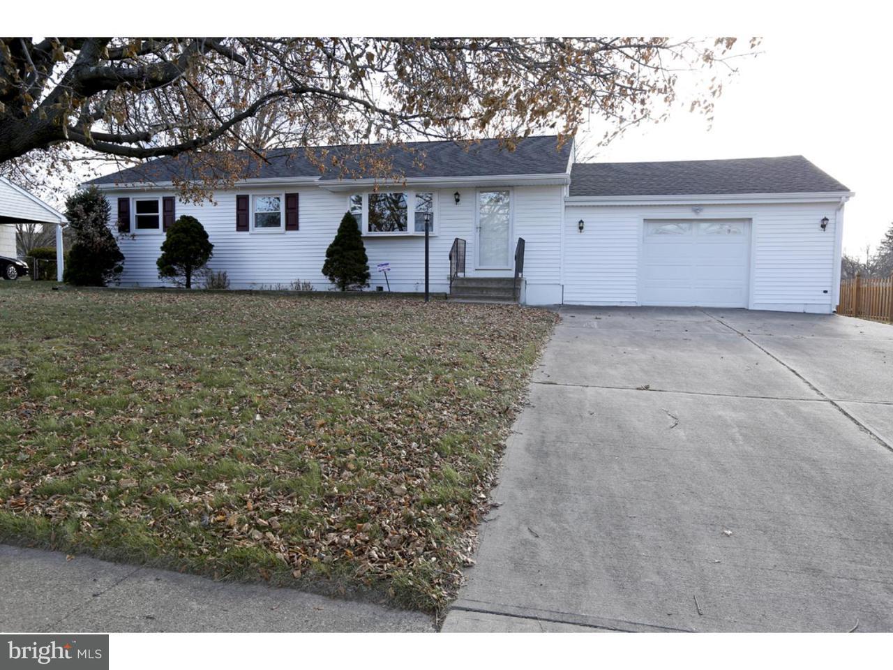 Частный односемейный дом для того Аренда на 325 GREEN Lane Ewing Township, Нью-Джерси 08638 Соединенные ШтатыВ/Около: Ewing Township