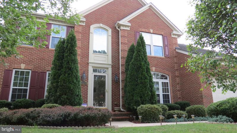 Частный односемейный дом для того Продажа на 12215 JAMES MADISON Lane 12215 JAMES MADISON Lane Glenn Dale, Мэриленд 20769 Соединенные Штаты