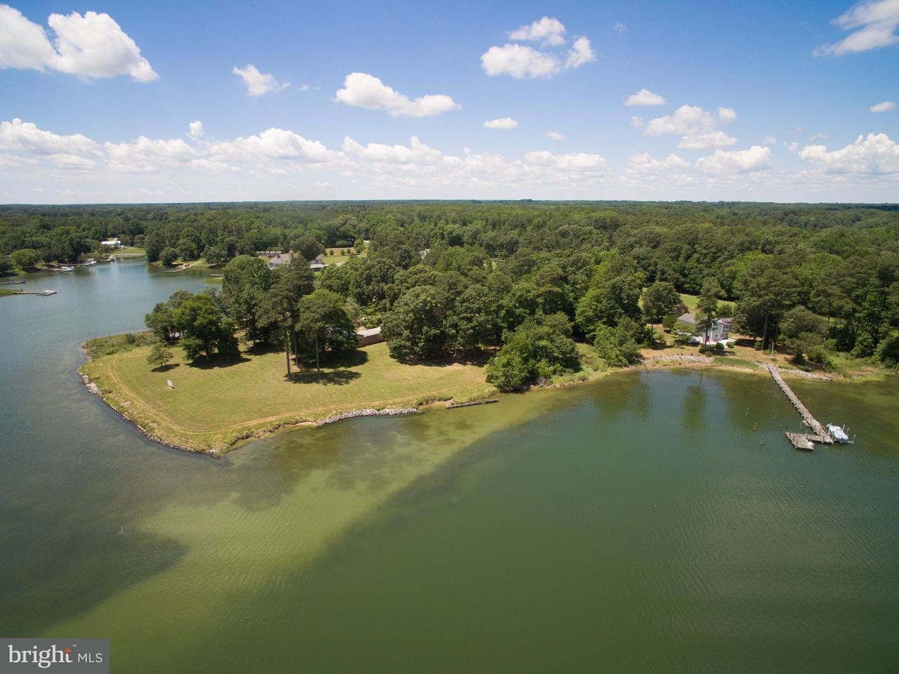 Einfamilienhaus für Verkauf beim 635 Fleets 635 Fleets Kilmarnock, Virginia 22482 Vereinigte Staaten