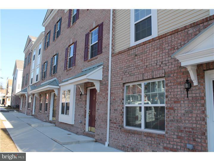 Maison accolée pour l à louer à 13 CLIFF Street Trenton, New Jersey 08611 États-UnisDans/Autour: Trenton City