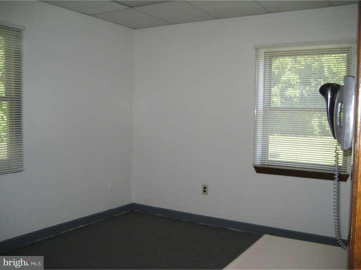Additional photo for property listing at 3201 ROUTE 38 #103-4  Mount Laurel, 新泽西州 08054 美国
