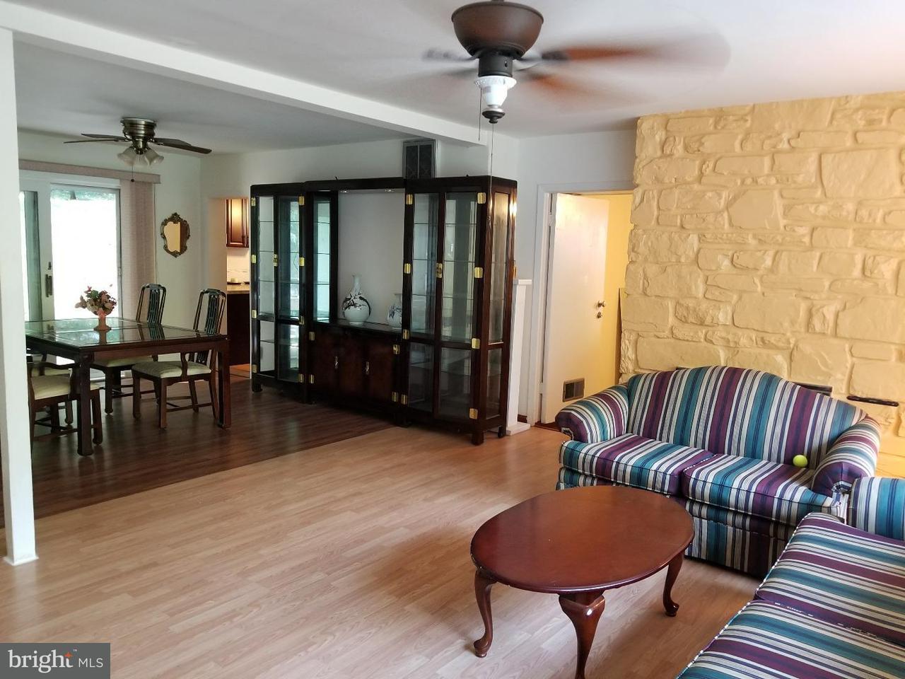 Частный односемейный дом для того Продажа на 7304 GRANITE Road Melrose Park, Пенсильвания 19027 Соединенные Штаты