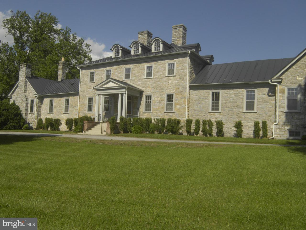 단독 가정 주택 용 매매 에 159 Fairfield Lane 159 Fairfield Lane Berryville, 버지니아 22611 미국