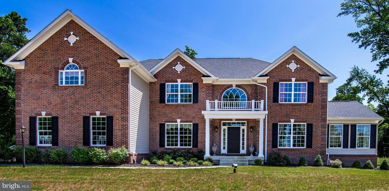 Casa Unifamiliar por un Venta en 107 CAMP GEARY Lane 107 CAMP GEARY Lane Stafford, Virginia 22554 Estados Unidos