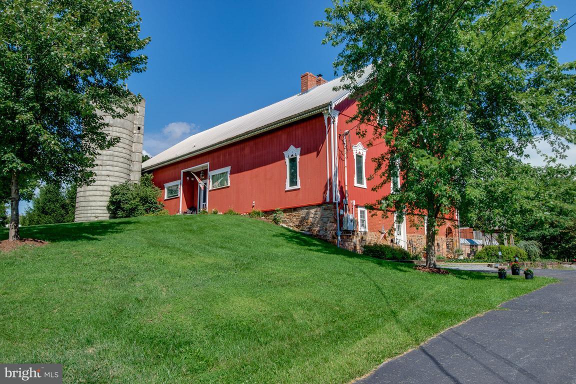 Частный односемейный дом для того Продажа на 61 FREDERICK Street 61 FREDERICK Street Taneytown, Мэриленд 21787 Соединенные Штаты