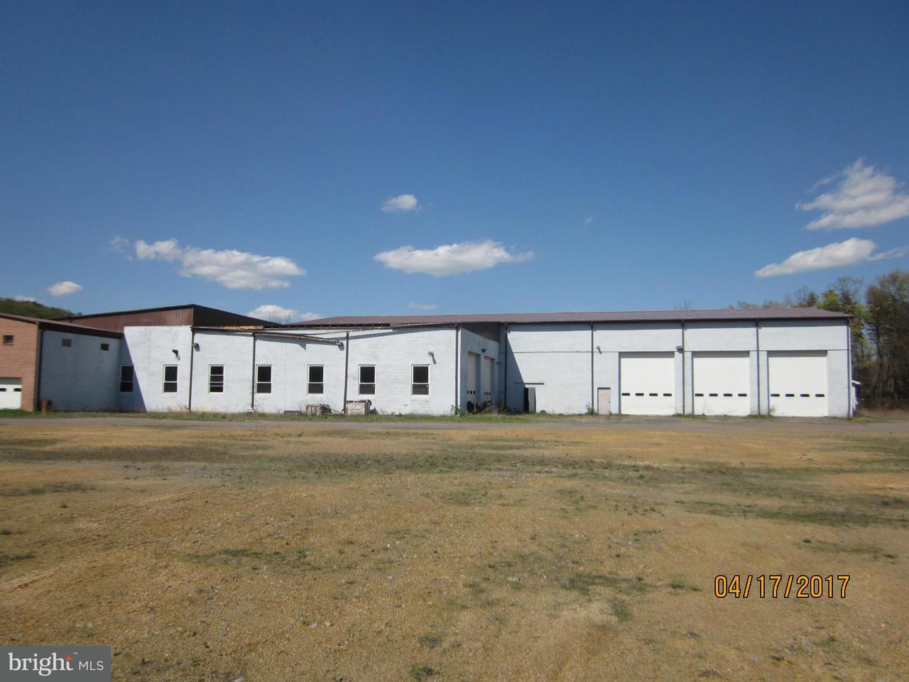 Additional photo for property listing at 4307 Valley Road 4307 Valley Road Berkeley Springs, West Virginia 25411 Estados Unidos