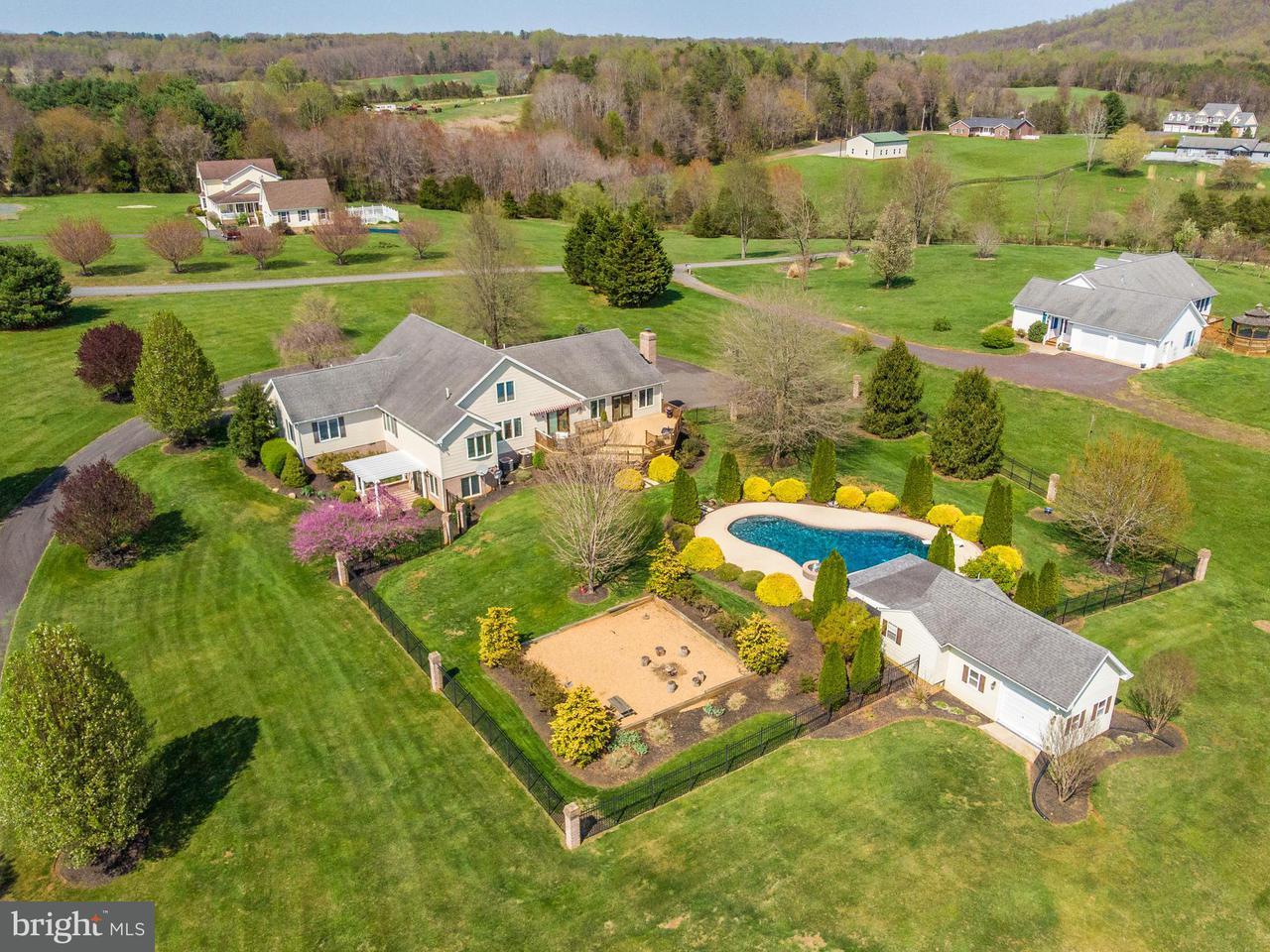 단독 가정 주택 용 매매 에 64 ROLLING GREEN Lane 64 ROLLING GREEN Lane Brightwood, 버지니아 22715 미국