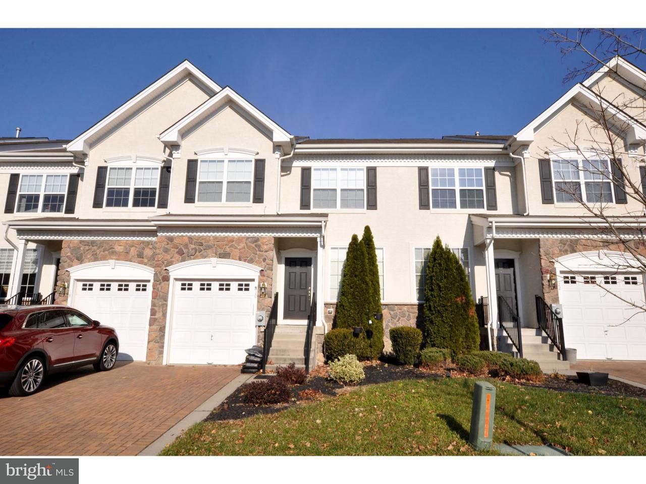 Maison accolée pour l Vente à 20 KINGSWOOD Court Westampton Township, New Jersey 08060 États-Unis