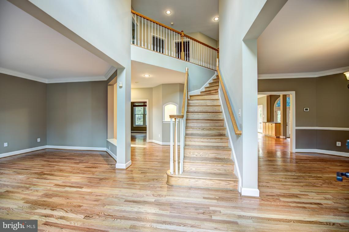 Maison unifamiliale pour l Vente à 3312 LAUREN OAKS Court 3312 LAUREN OAKS Court Oak Hill, Virginia 20171 États-Unis
