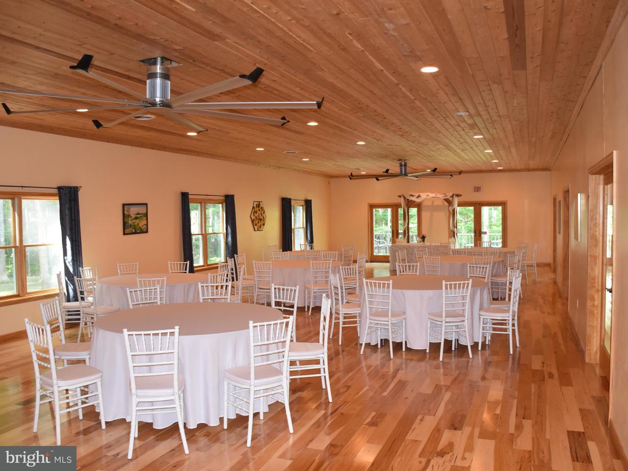 Additional photo for property listing at 12285 ELK RUN CHURCH Road 12285 ELK RUN CHURCH Road Midland, Virginia 22728 Estados Unidos