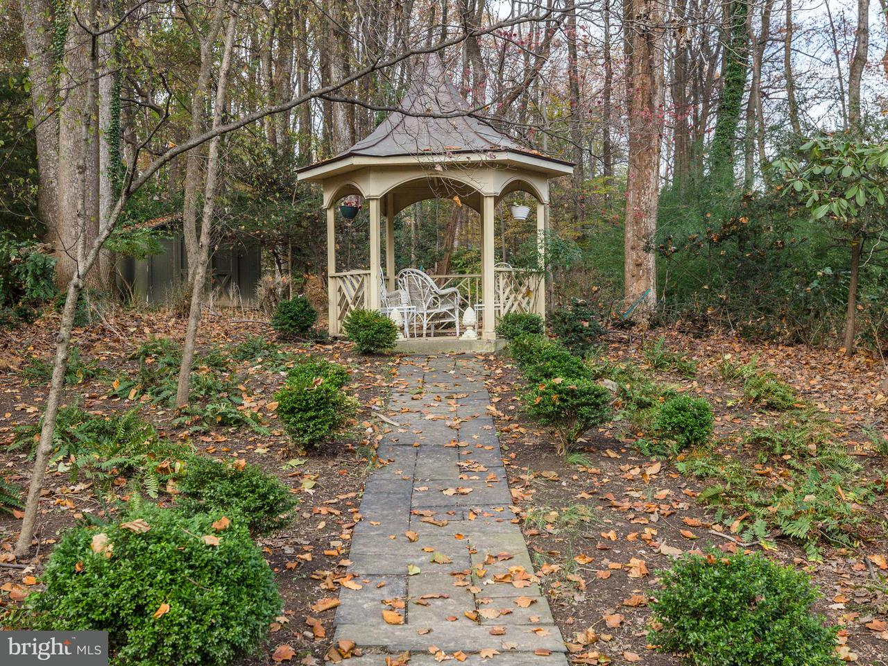 Additional photo for property listing at 8430 BROOK Road 8430 BROOK Road McLean, Virginia 22102 United States