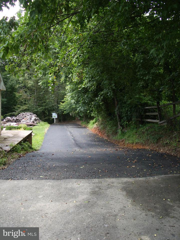 Additional photo for property listing at 12308 STONEY CREEK Road 12308 STONEY CREEK Road Potomac, 馬里蘭州 20854 美國