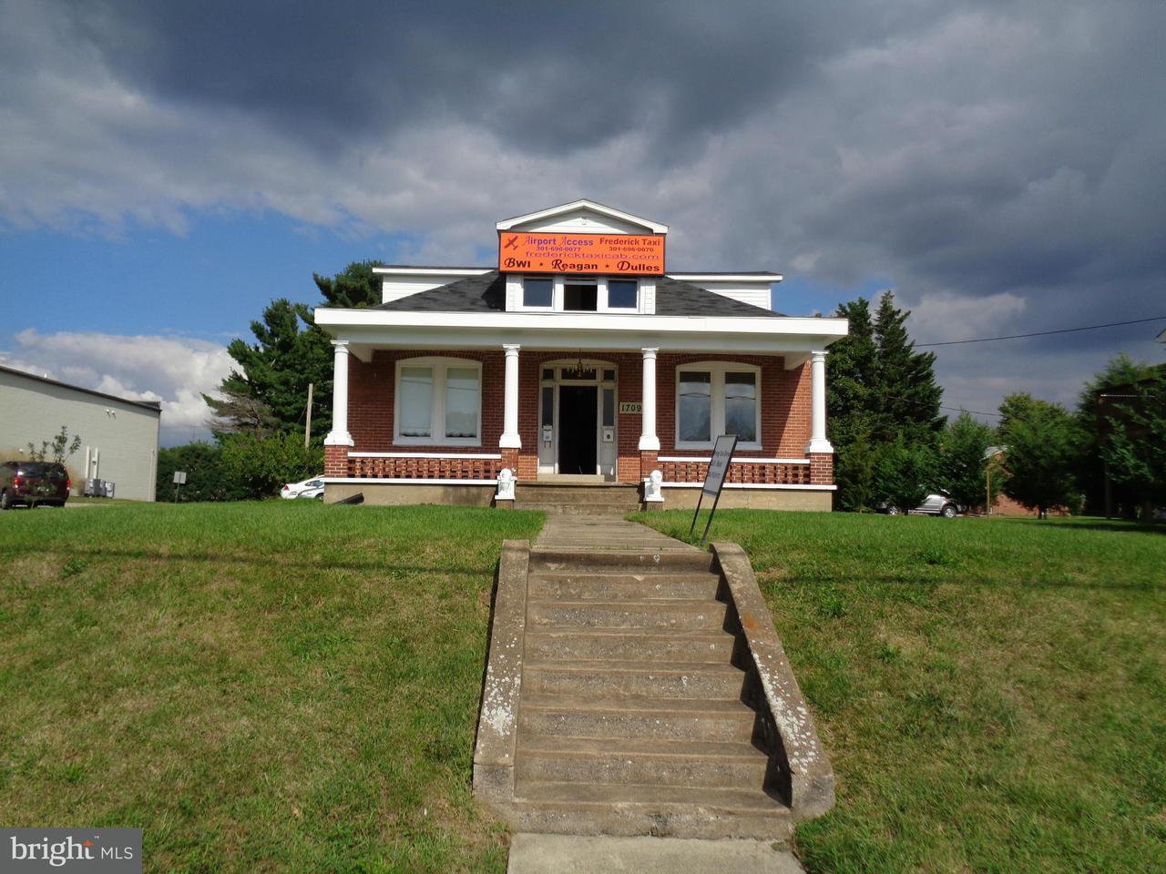 komerziell für Verkauf beim 1709 ROSEMONT Avenue 1709 ROSEMONT Avenue Frederick, Maryland 21702 Vereinigte Staaten