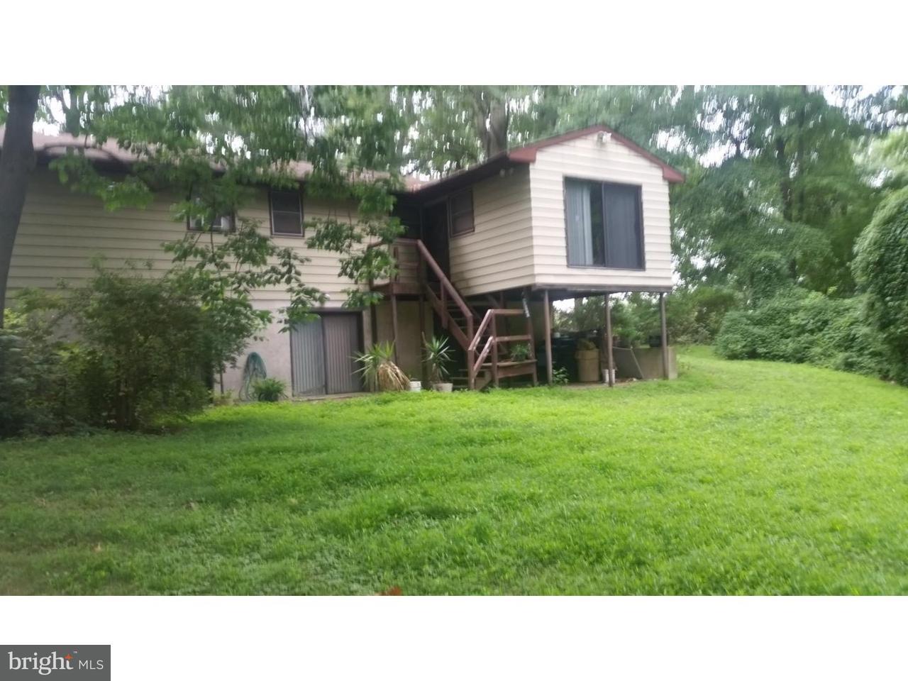 Maison unifamiliale pour l Vente à 2817 MONMOUTH Road Wrightstown, New Jersey 08562 États-Unis