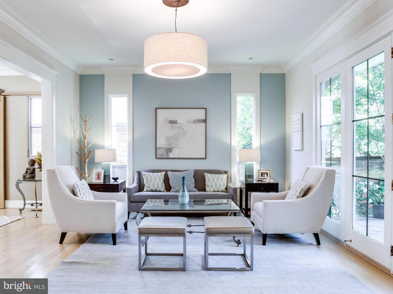 Casa Unifamiliar por un Venta en 4511 Q PL NW 4511 Q PL NW Washington, Distrito De Columbia 20007 Estados Unidos