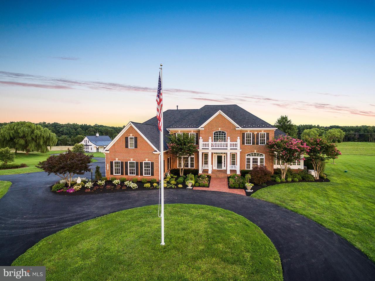 獨棟家庭住宅 為 出售 在 13269 CATHARPIN VALLEY Drive 13269 CATHARPIN VALLEY Drive Gainesville, 弗吉尼亞州 20155 美國