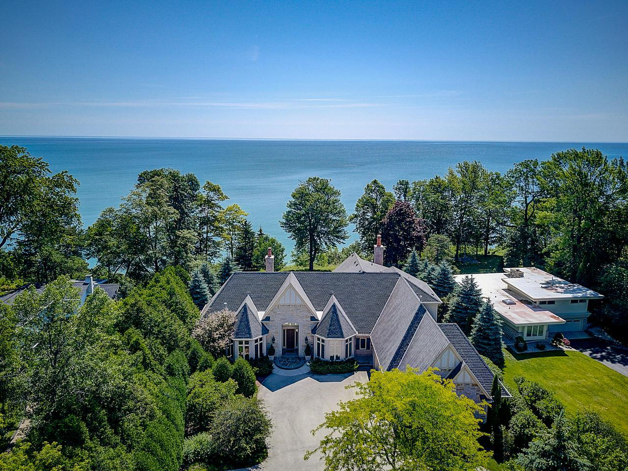 Mequon WI Lake Homes For Sale • Realty Solutions Group
