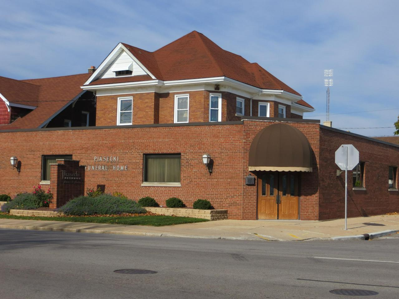 Southeast WI Commercial Property for Sale - Businesses Shops