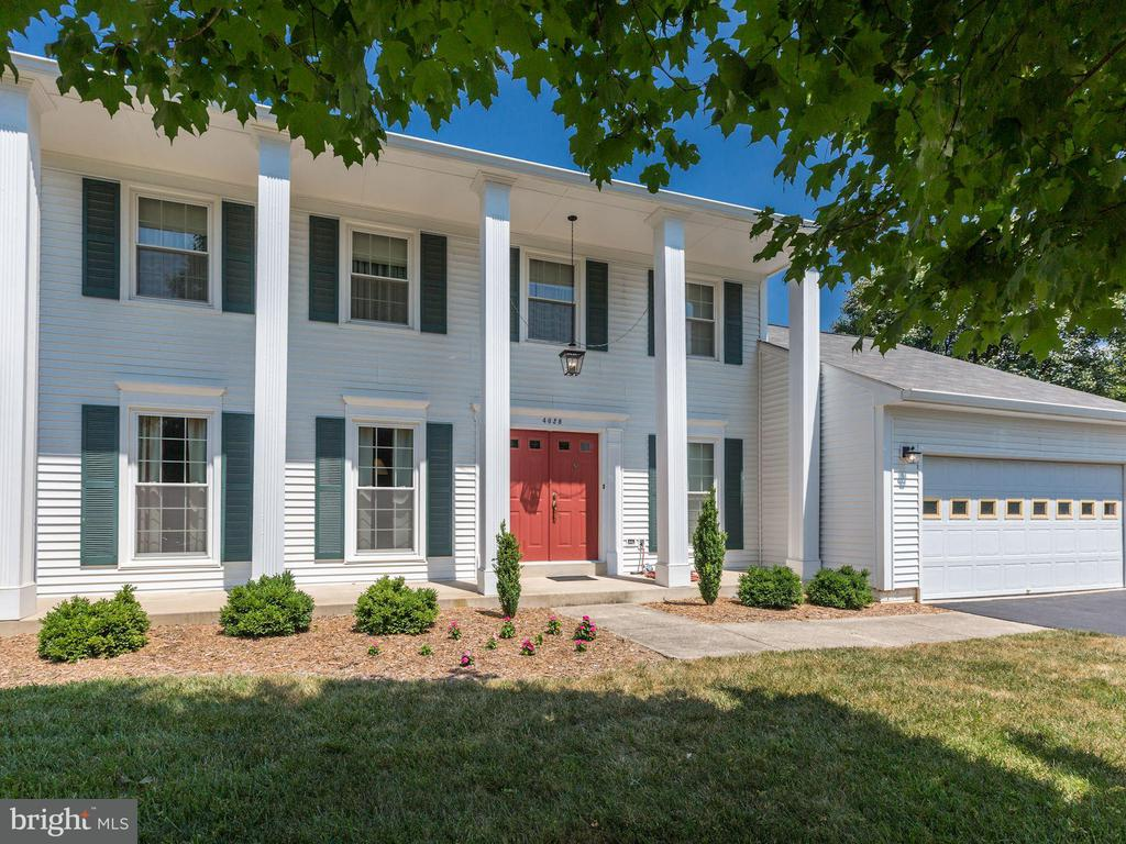 4628 SAND ROCK LN, Chantilly VA 20151