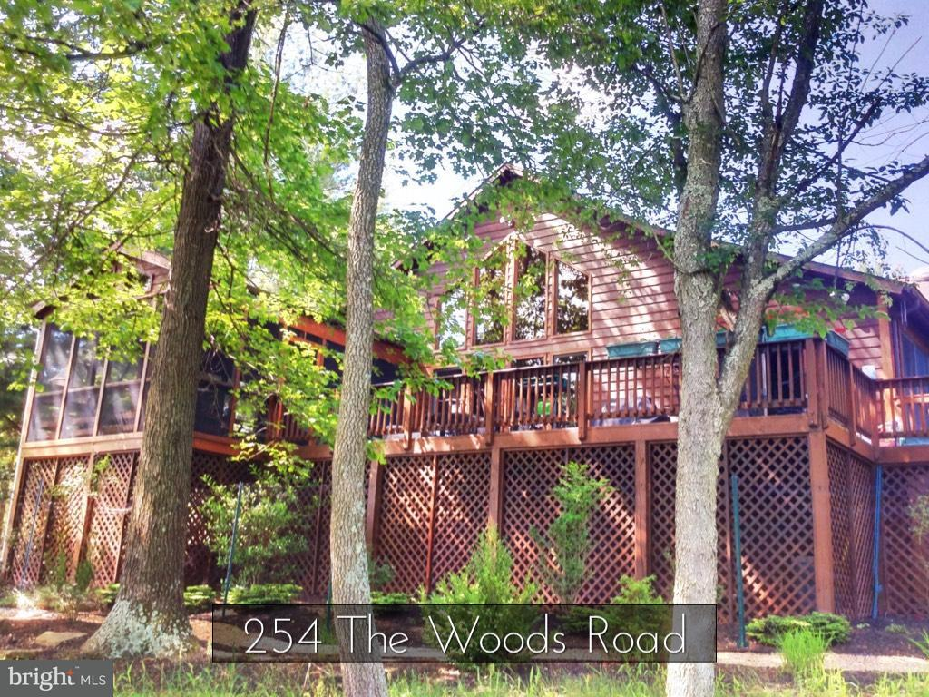 254  The Woods Road Hedgesville, WV 25427