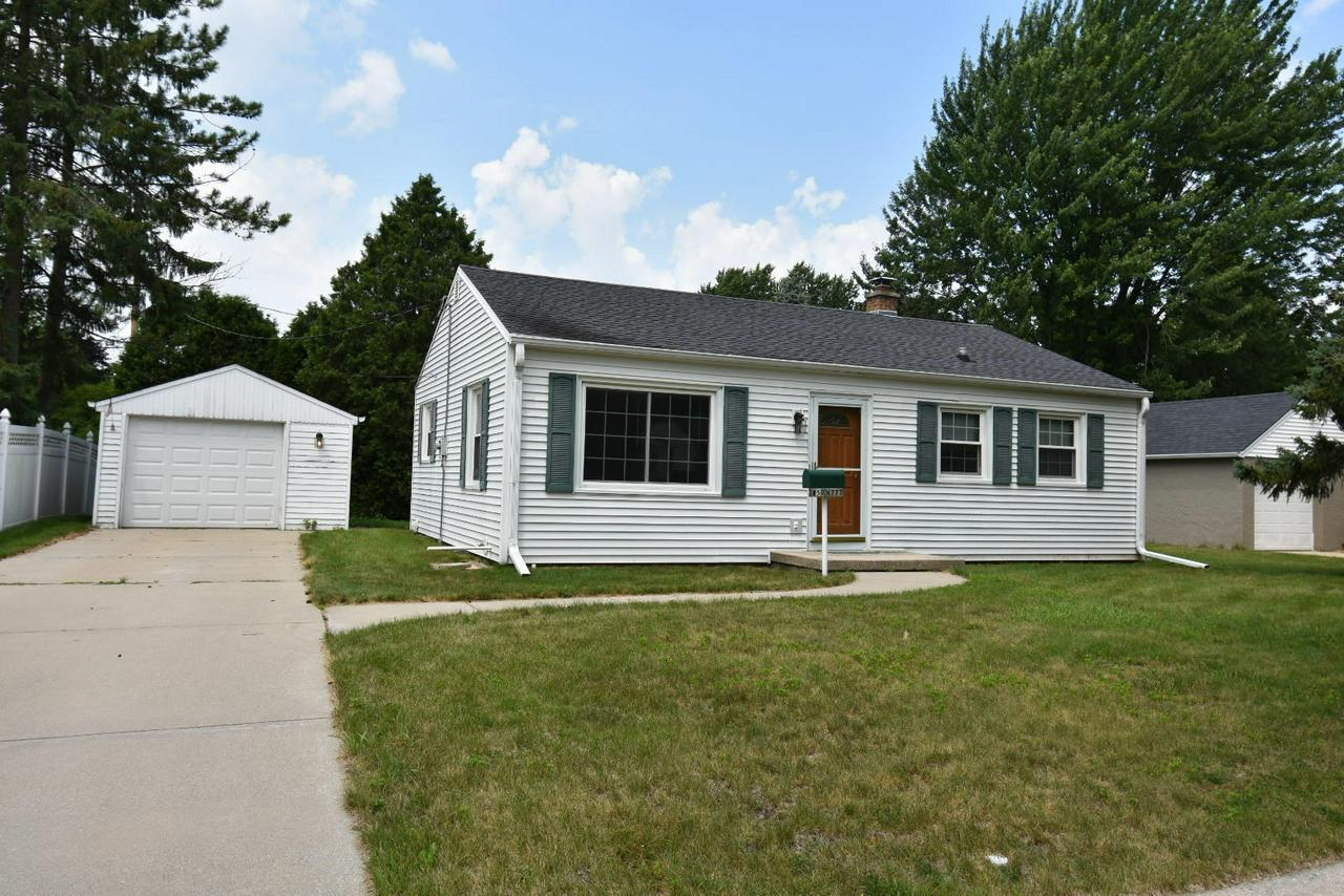 C*H*A*R*M*I*N*G, 3BR, 1 full bath CEDARBURG ranch!  Home features bright spacious rooms, beautiful hard wood floors and large; private yard!  Newer windows and furnace.  Great location--walking distance to all that historic downtown Cedarburg has to offer!