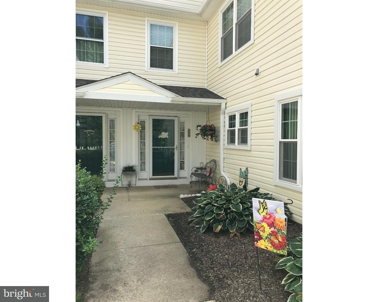 174 KINGSWOOD CT, GLEN MILLS - Listed at $237,900,