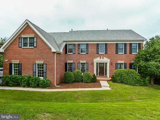 11717 Crippen, Great Falls, VA 22066